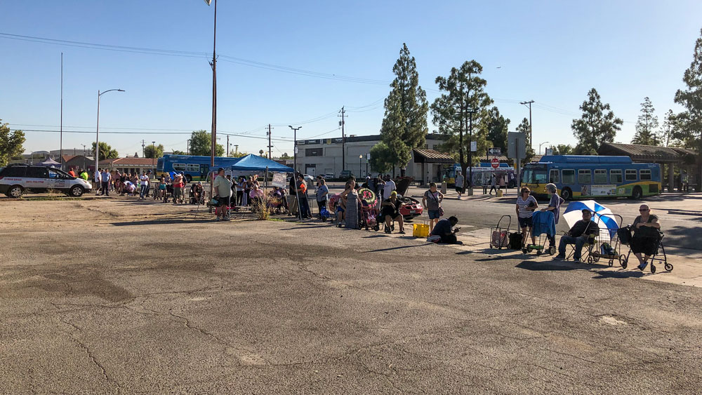 GET Bus Distributes 350 Bags of Food to Bakersfield Residents